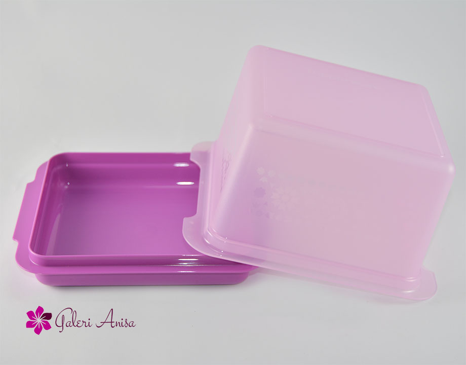 Bread Lover Tupperware