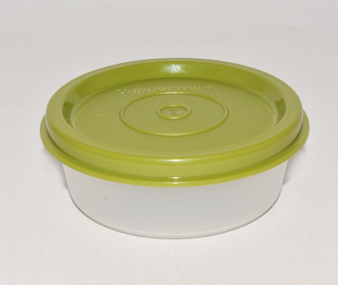 Small container Tupperware